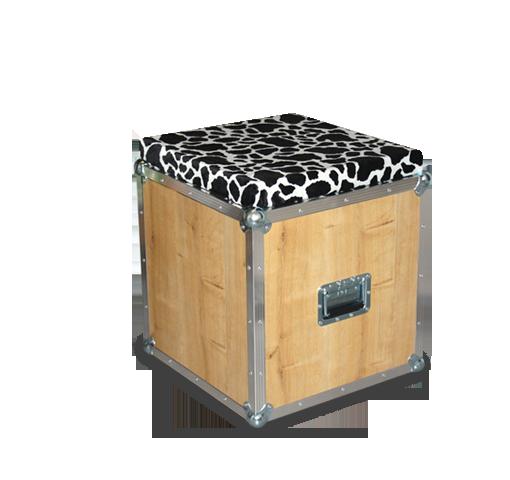 hocker mit kuhfell wickinger cases. Black Bedroom Furniture Sets. Home Design Ideas